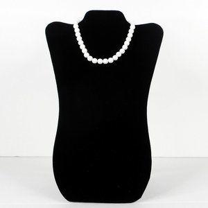"Vtg White Choker Necklace 16"" Single Strand Beads"